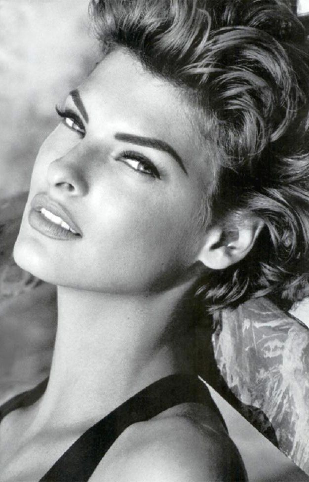 Linda Evangelista. She never looked the same twice. NEVER! Everything a Supermodel should be, and in my top three models of all time!!
