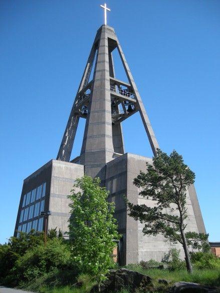 Sankt Botvids kyrka (1957) in Oxelösund, Sweden, by Rolf Bergh