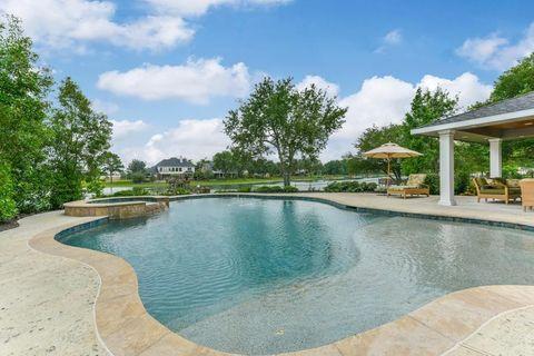 Crestwater, Houston, TX Real Estate & Homes for Sale - realtor.com®