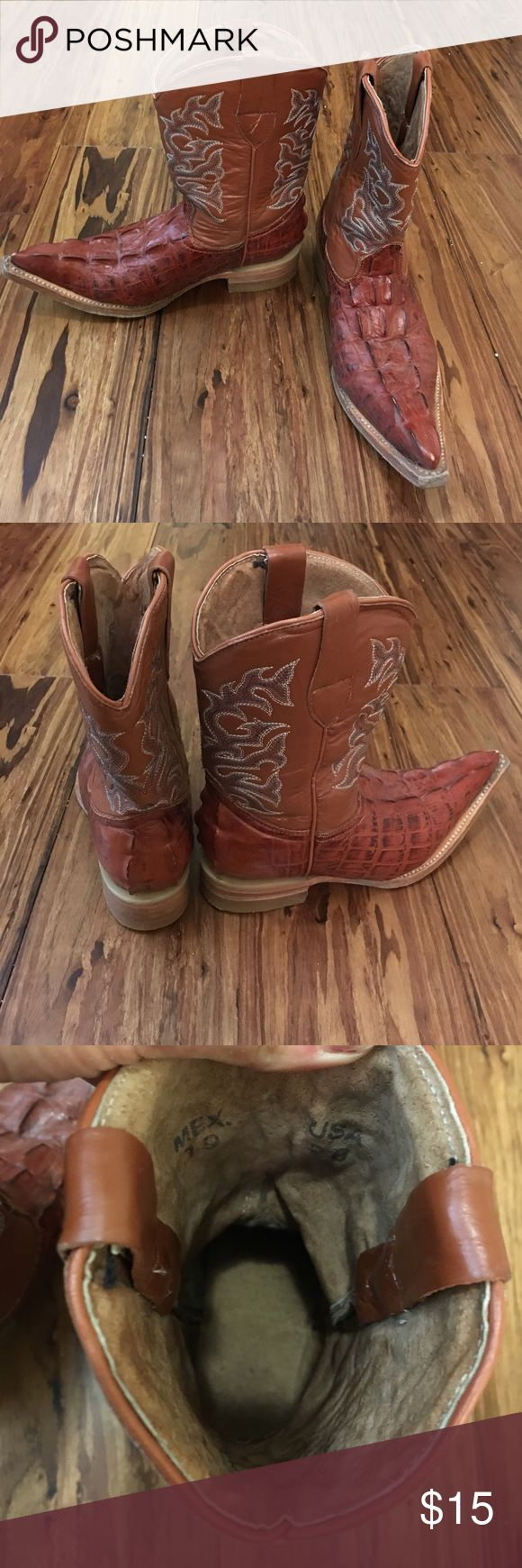 Kids cowboy boots genuine leather These have been gently used and still have a lot of life left in them. They are genuine leather that have alligator look to the shoe. Beautiful rich color that can be worn by boys or girls. aventura Shoes Boots
