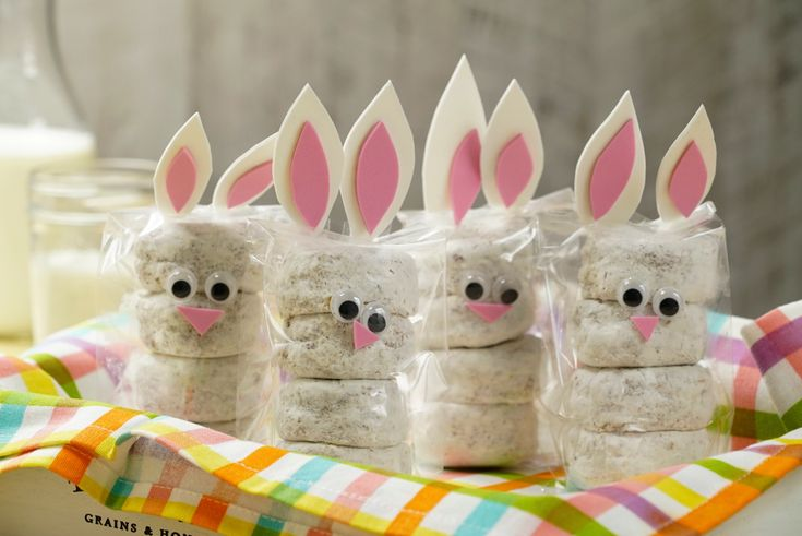 ¡Decora estas deliciosas donitas como un conejito! Son perfectas para pascua y los pequeños amarán estos divertidos personajes. Bunny Birthday, Unicorn Birthday, 2nd Birthday, Easter Party, I Party, Unisex Baby Shower, Baby Shawer, Easter 2021, Easter Crafts