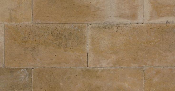 Como pintar em profundidade em uma parede. Dar profundidade a uma parede acrescenta dimensão a um cômodo. Pintura é um modo barato de dar vida a parede adicionando cor, textura e profundidade. Uma variedade de técnicas especializadas de pintura, como faux, estêncil ou estampagem de borracha, podem resultar em pinturas espetaculares nas paredes.