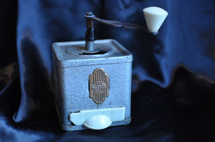 Vintage Romanian I.I.L. RESITA Bakelite Coffee Grinder