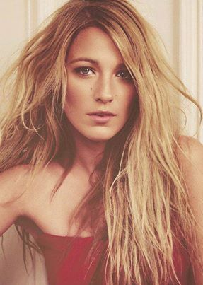 Blake Lively - the only celebrity who understands my hair's texture. I like this color of blonde.