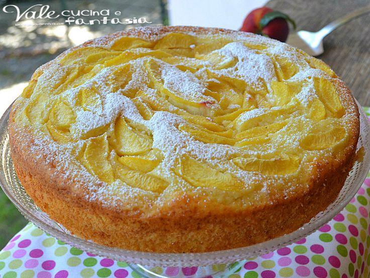 Torta con pesche e crema pasticcera ricetta senza burro e olio: buonissima