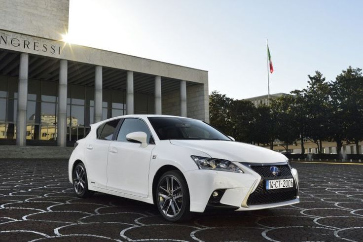 Lexus CT 200h (facelift 2014) - the production started in 2014. it has a 1.8 engine hybrid with 136 hp. max.speed of 180 km/h and acceleration from 0 to 100 in 10.3 sec/ the volume of the fuel tank is 45l. It`s a hatchback with 5 doors and seats. multi-point injection with in-line cylinders. the fuel type is hybryd-petrol/electricity.  DOHC-VVT-I valvetrain; fwd and McPherson suspension