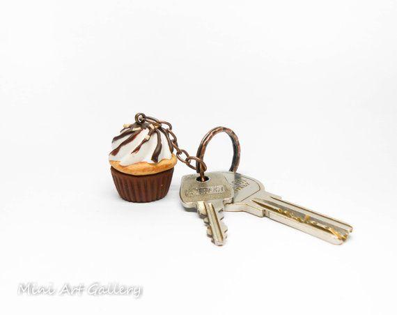 Chocolate cupcake keychain scented / key ring miniature food, kawaii fake foodie / mini food cup cake nuts, fimo polymer clay. © Mini Art Gallery