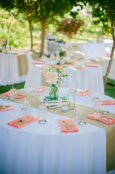runners on round tables - love this idea but with blue/real napkins