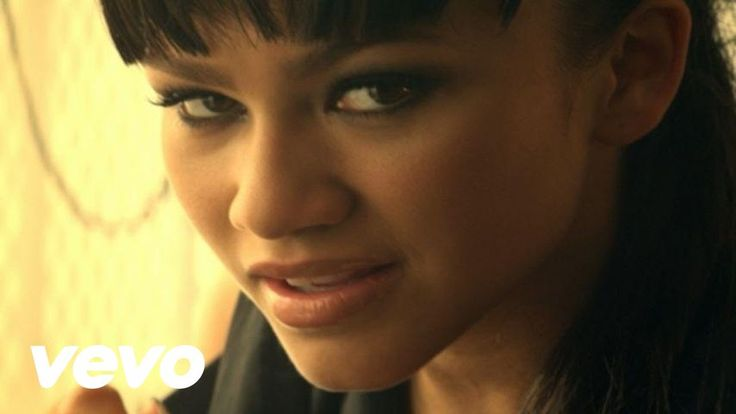Zendaya - Replay I love this song and video so much<3