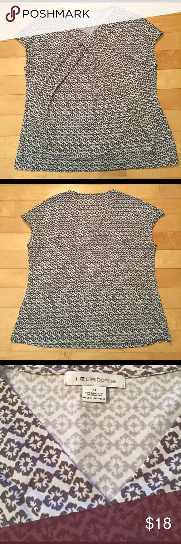 Liz Claiborne Top Super cute and perfect for work or with jeans - stylish details - great condition Liz Claiborne Tops Blouses