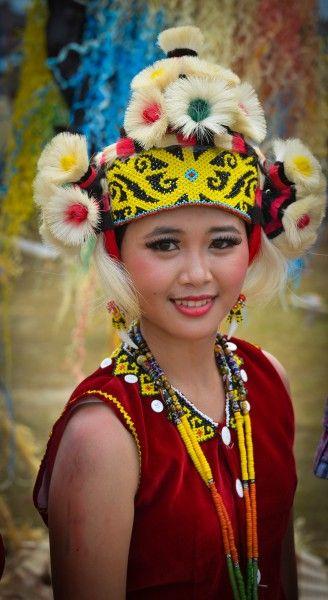 Dayak girl - Isen Mulang Festival