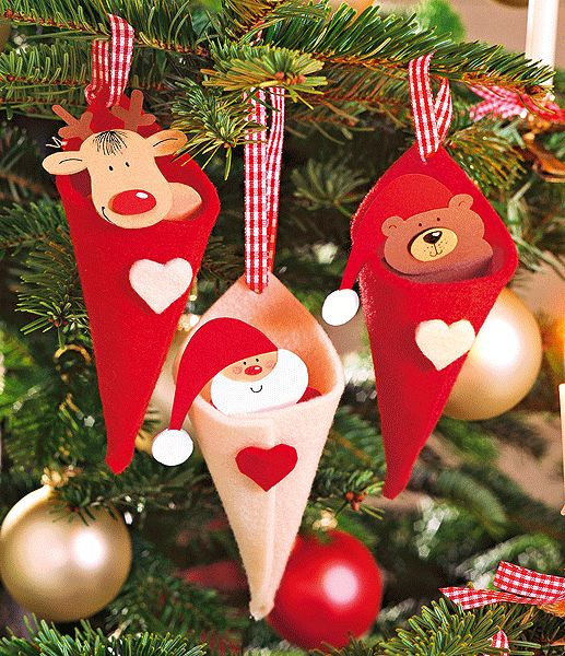 Felt cornucopia ornaments - fill with so many different wonderful things. Repinned by www.mygrowingtraditions.com