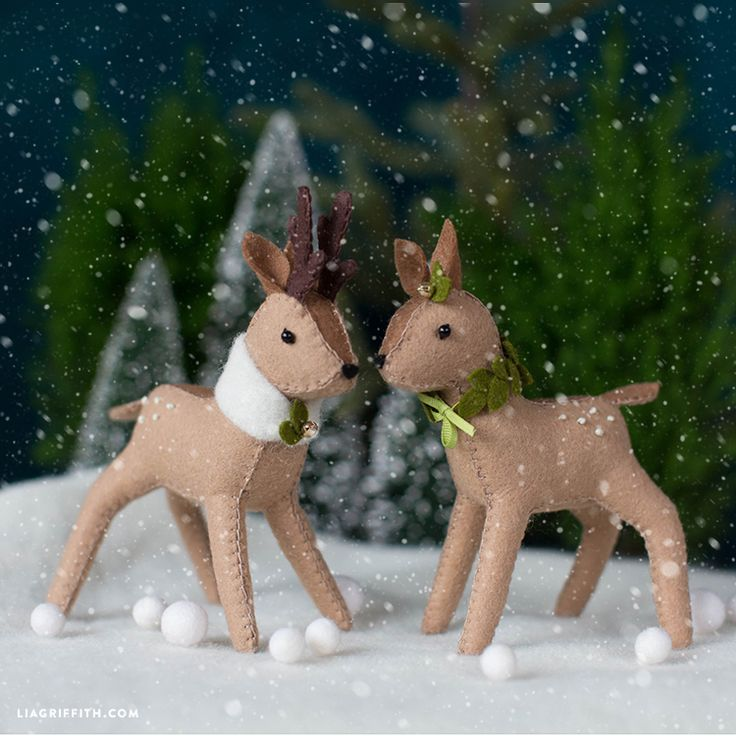 Learn how to make DIY felt reindeer for some fun holiday crafting! Use them for your festive holiday home decor or as a cute stocking stuffer for the kids