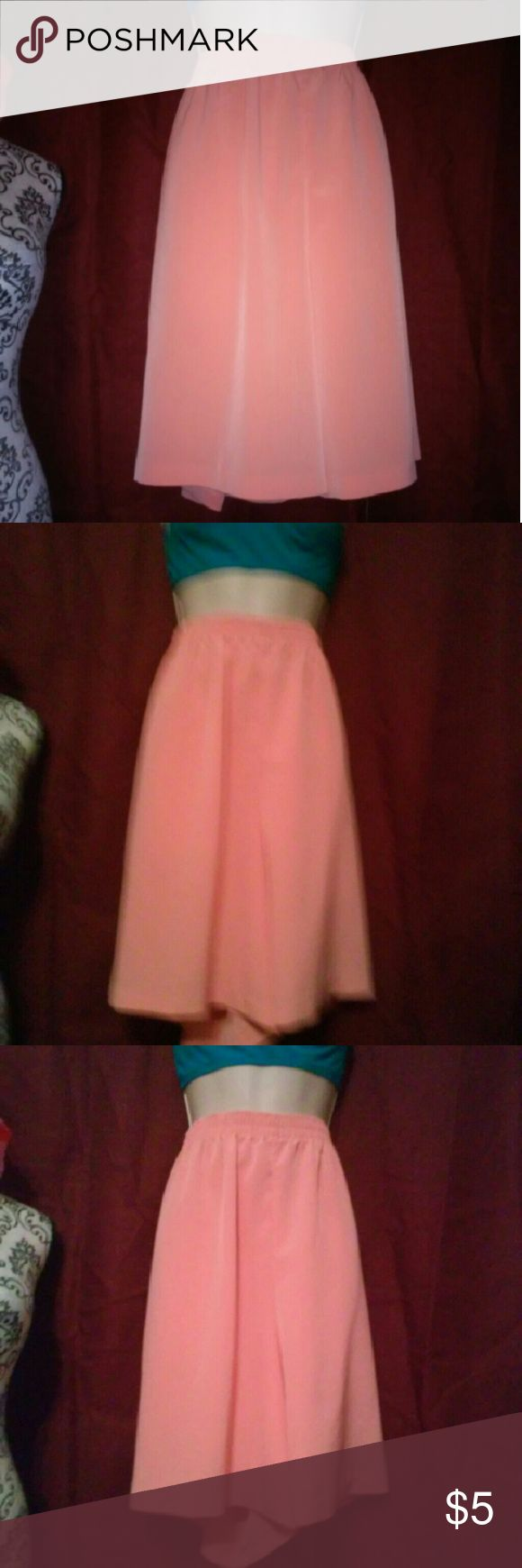 Peach shorts size large Large peach shorts by maggy smith in excellent condition maggy sweet Shorts