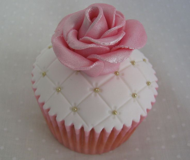 Baby Girl Baby Shower Cupcakes