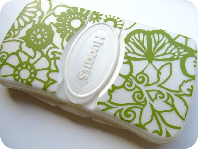 Vinyl-decorated wipes case using the Silhouette