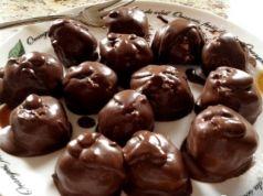 Výborný fitness recept, když Vás honí chuť na sladké. Tvarohové kuličky s čokoládou a bez kalorií!