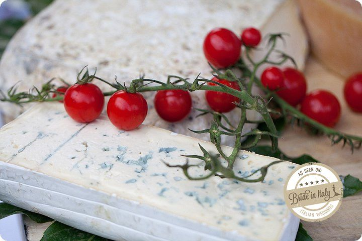 Tomatos and gorgonzola cheese. Ph Michela Magnani http://www.brideinitaly.com/2013/12/magnani-circus.html #circus #whimsical #wedding #italy