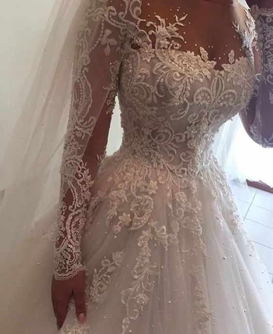 traditional long sleeve bridal gowns