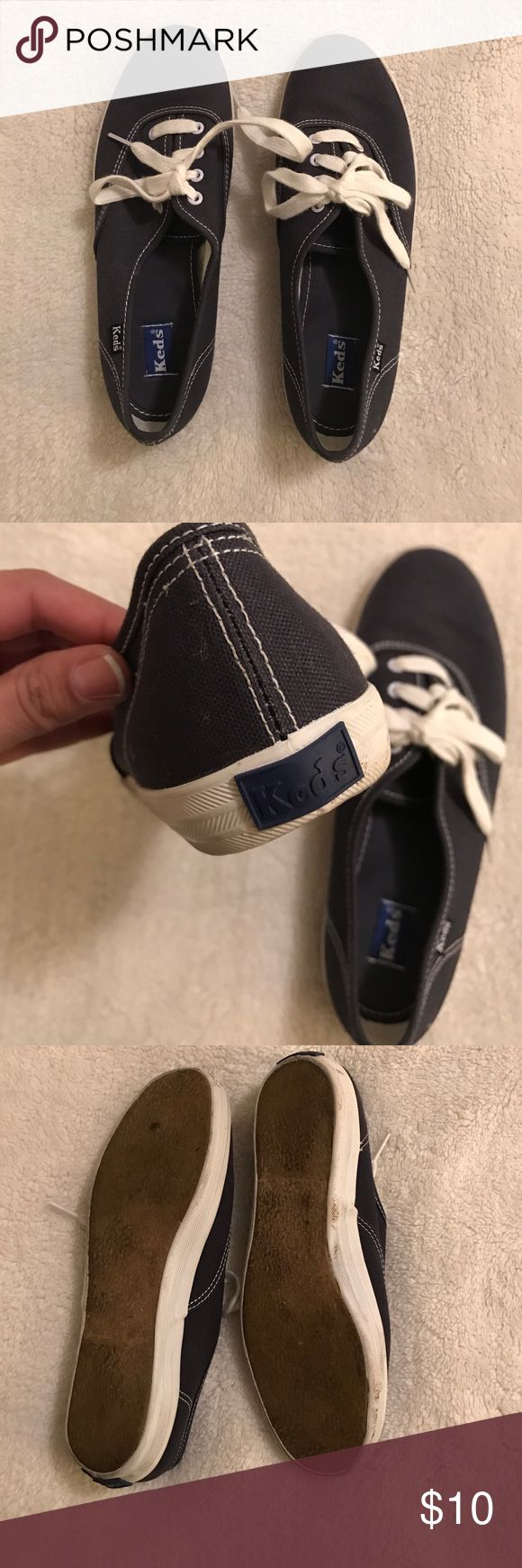 Keds tennis shoes Well loved, they look great. Perfect staple for any wardrobe. If you need additional pictures, let me know!😁 Keds Shoes Sneakers