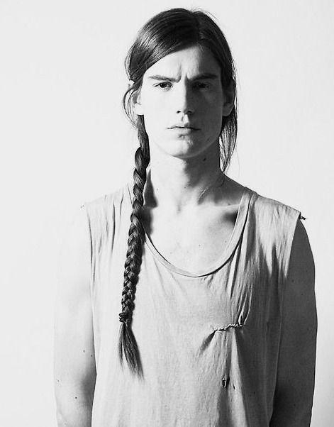 Trança masculina ou man braid – Será que essa moda pega? - Fashion Bubbles - Moda como Arte, Cultura e Estilo de VidaFashion Bubbles – Moda como Arte, Cultura e Estilo de Vida