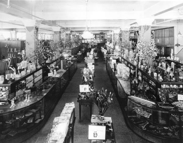 Interior of rorabaugh dry goods co circa 1910 http www for Department stores that sell furniture