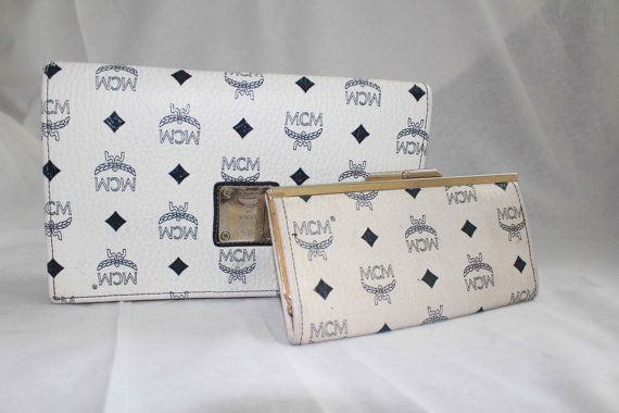 AUTHENTIC VINTAGE 1980S MCM CLUTCH PURSE & WALLET BRASS EMBOSSED LOGO HARDWARE COLOR: WHITE   BLUE BOSTON MATERIAL: LEATHER (PEBBLE)