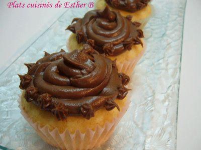Les plats cuisinés de Esther B: Cupcakes dorés