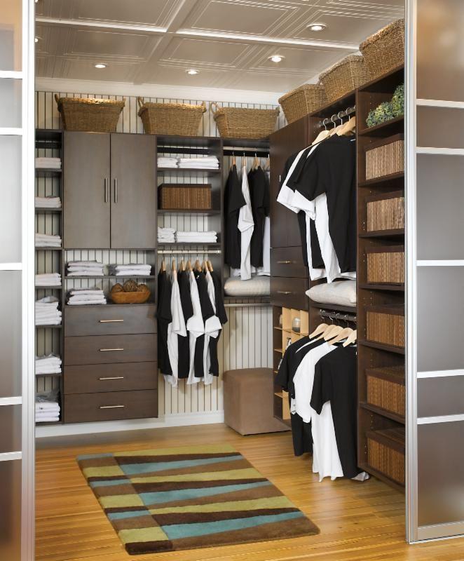 Winter Homes Gazette feautring a Renelle Design article on closet organization.