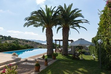 The #villa offers various spaces to #relax next to the #pool