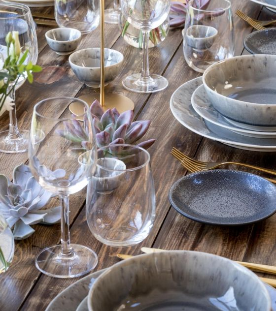 NEW!  Grey stoneware collection with mesh details on the rim  The collection will be available to hire from January 2017  Here an indication of the set and prices- for a full quote please contact our team on 0203 095 9818 Grigio Dinner plate 80p + Vat each (27cm in diameter) Grigio Starter plate 70p +Vat each (21cm in diameter) Grigio Side plate 50p+Vat each (16cm in diameter) Grigio Soup/pasta bowl 80p+ Vat each (19cm diameter, 5.5cm height) IN STOCK Grigio cereal bowl 50p + Vat each (...