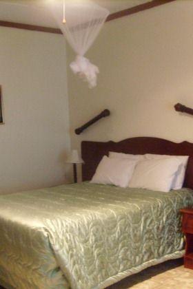 LOA Hotel, based in Hoedspruit Acornhoek area near the Klaserie dam & close to the Kruger Park.
