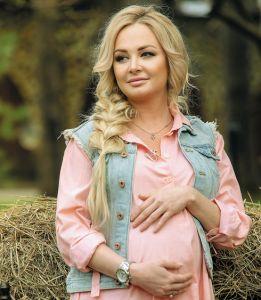 Дарья Пынзарь: «Роды происходят в жизни каждой женщины. Я хотела, чтобы мой малыш это увидел, когда подрастет» http://womenbox.net/stars/darya-pynzar-rody-proisxodyat-v-zhizni-kazhdoj-zhenshhiny-ya-xotela-chtoby-moj-malysh-eto-uvidel-kogda-podrastet/  Дарья Пынзарь Фото: материалы пресс-служб Дарья Пынзарь: «Роды происходят в жизни каждой женщины. Я хотела, чтобы мой малыш это увидел, когда подрастет» Ульяна Калашникова 25 мая 2016 12:49 Звезда рассказала,