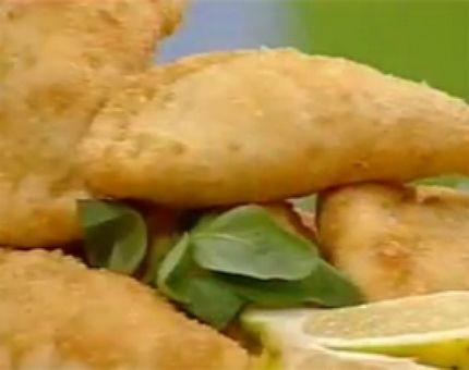 Empanaditas argentinas fritas de pollo, panceta, choclo y queso - Cocineros Argentinos