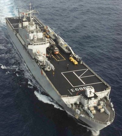 LPD clase Resistencia equipado con arma blindada  Y permitir que las tropas cerca de 400 personas y un 2-3 Operaciones de helicópteros  Está siendo utilizado para múltiples propósitos, tales como islas y rutas de patrulla protectores.