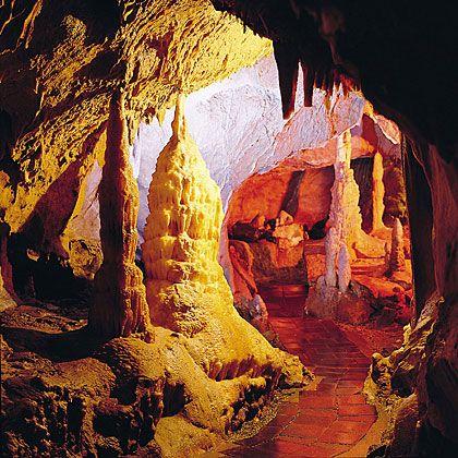 Die Tropfsteinhöhle in Attendorn – Germany, eine zauberhafte Atmosphäre