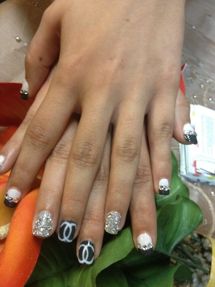 Channel nails(shellac)