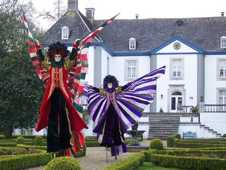 Booking agent for Stilt Walkers, Belgium: Venetian Characters | Contraband Events