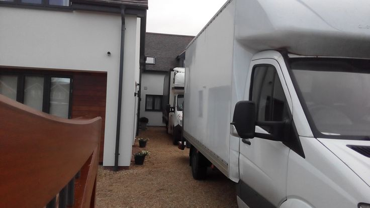 Removals Company Abingdon, We are a trustworthy, good Abingdon Removal Company. Oxfordshire Removals Company is a relocation specialist firm in home removal and office moves. We have years of experience in moving people all over Abingdon, Oxfordshire. Moving house can be a stressful time, but we know how to make things go smoothly.