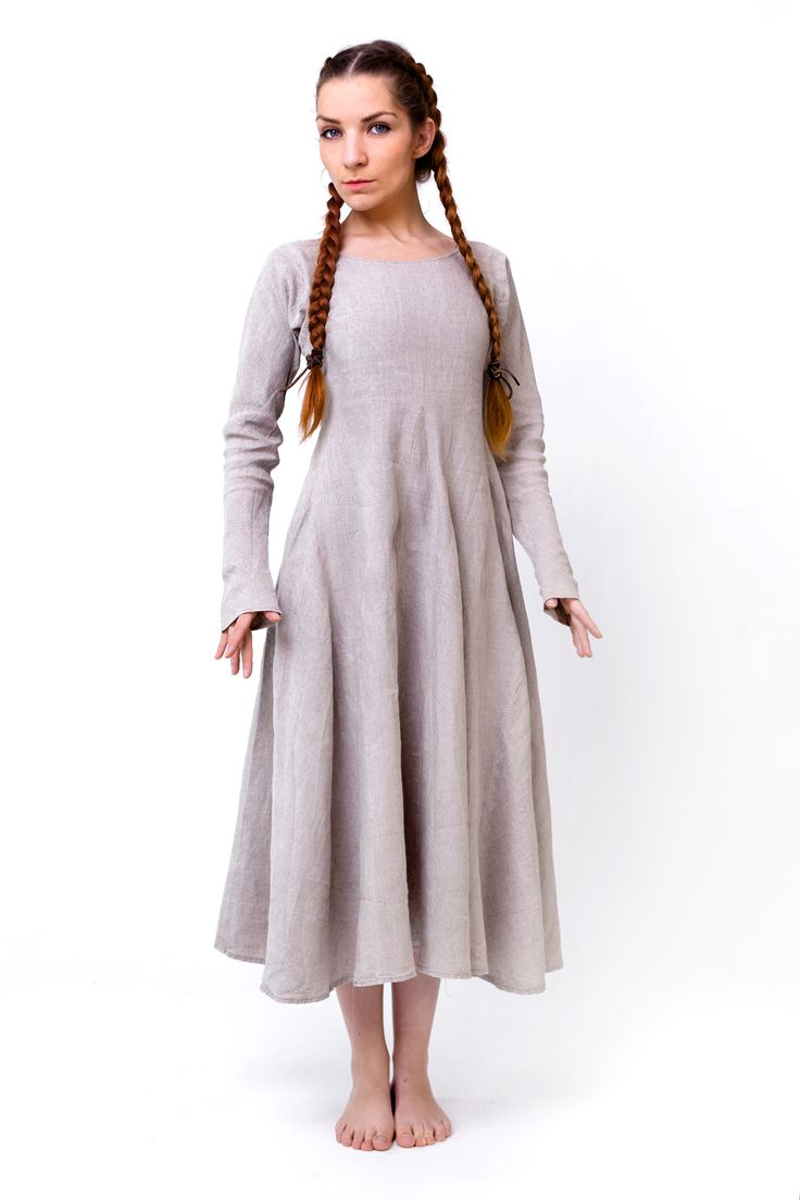 Einfaches Tunika Unterkleid aus feinstem naturfarbenem Leinen