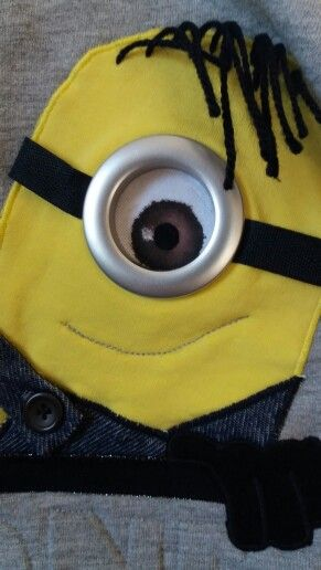 DIY tip: You can use leftover sail ring as a minion eye.