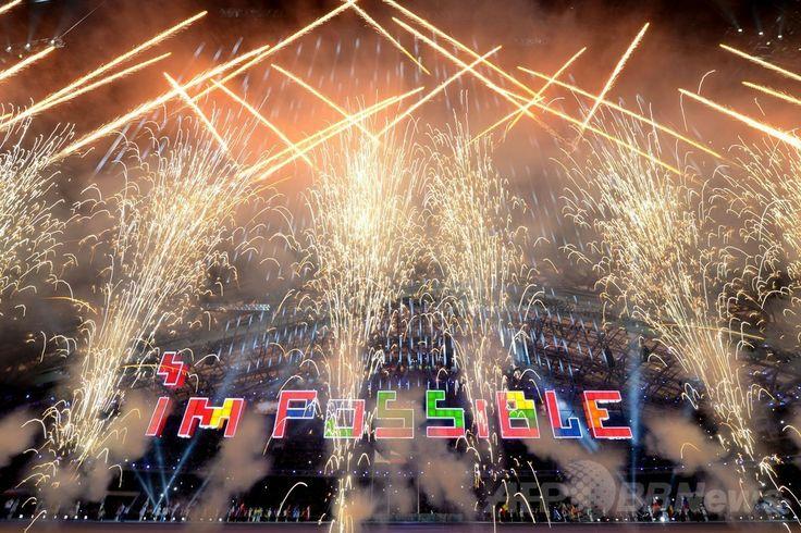 フィシュト五輪スタジアム(Fisht Olympic Stadium)で行われたソチ冬季パラリンピック閉会式で上がる花火(2014年3月16日撮影)。(c)AFP/KIRILL KUDRYAVTSEV ▼17Mar2014AFP|ソチ冬季パラリンピックが閉幕 http://www.afpbb.com/articles/-/3010425 #Sochi2014 #Paralympic
