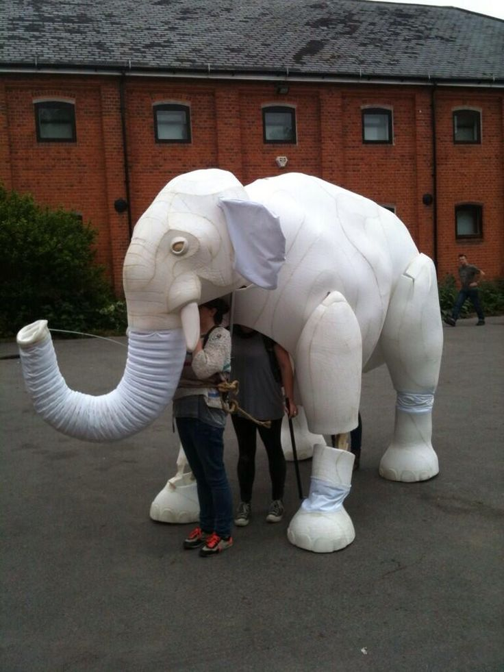Here's a sneaky Glimpse at the recent giant elephant puppet build me and the great team at Max Humphries puppets completed for the Chatalet in Paris! Pictures to follow of him all painted and looking even more beautiful!