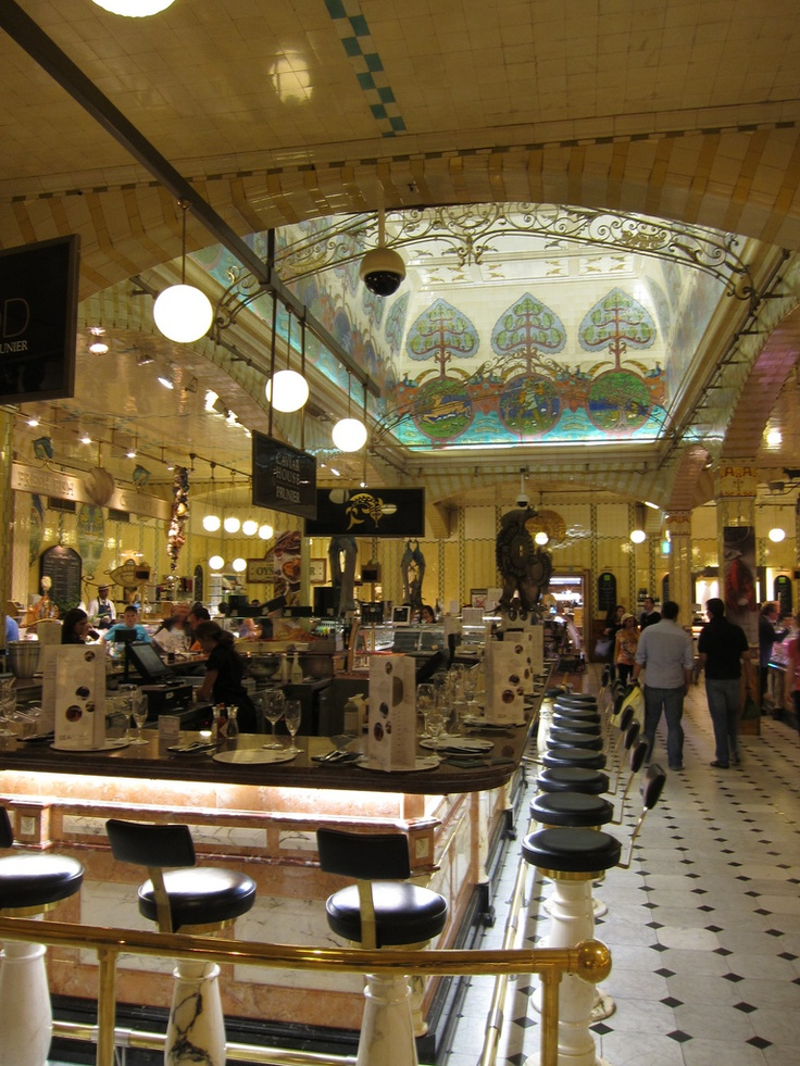 Harrods Food Halls - such a treat. Especially enjoyed the chocolates