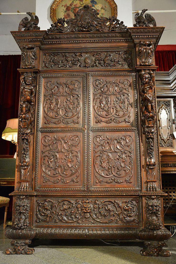 Салон Градеж - Антикварный шкаф в стиле ренессанс, Antique furniture in the Renaissance style