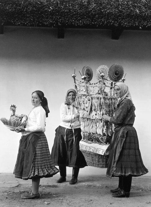 Lakodalmi kalács és cukorkakas, Balogh Rudolf (MFI) felvétele, 1929