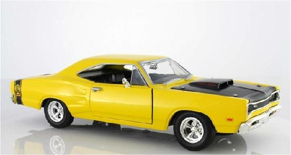 1969 Dodge Coronet Super Bee Red 1 24 Scale Die Cast