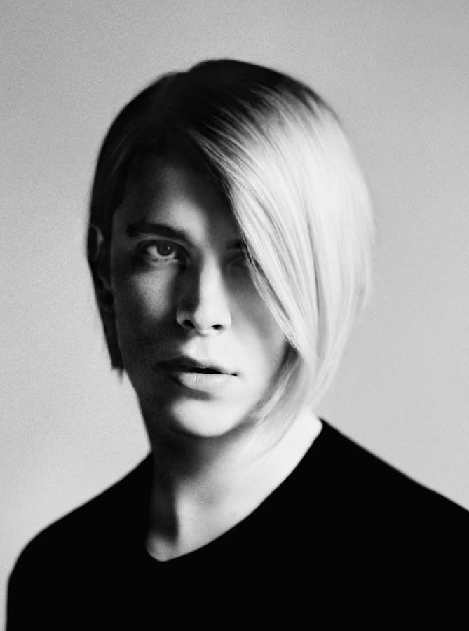 Tom Odell photographed by Mark Kean// Like... what the hell. Why so attractive