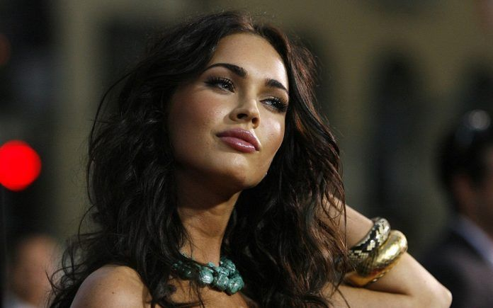 Megan Fox Snake Golden Wristband Wallpaper - HD Wallpapers - Free Wallpapers - Desktop Backgrounds