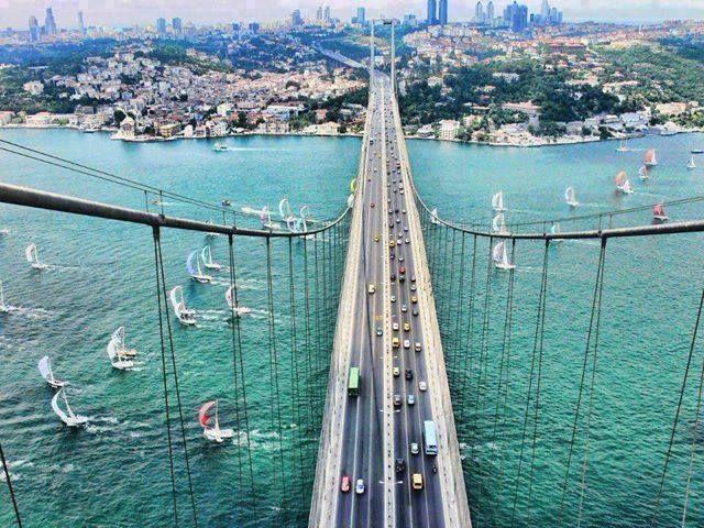 Asya ile Avrupa Kıtasını birbirine bağlayan İstanbul'un görkemli gerdanlığı.  📢 Instagram'da Takip Edin: https://www.instagram.com/hadigezcom